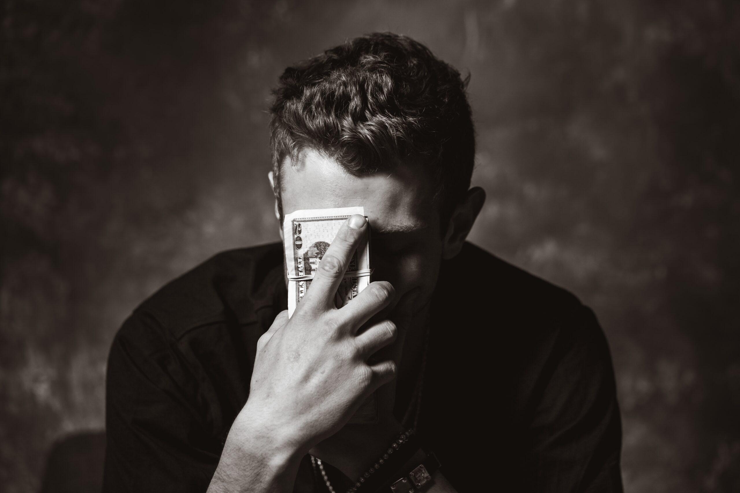 Экономическое насилие в семье